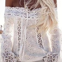 Feitong 2019 New Off Shoulder white Lace Blouse Women Top Hollow Out Casual Shirts Sexy Blusas Boho Beach Tops camisas femininas