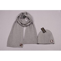 Louis Vuitton Men's and women's fashion accessories winter warm scarf cover hat two-piece