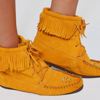 Vintage 80s MOCCASINS Beaded Suede Lace Up FRINGE Mustard Moccasins Hippie Ankle Boots Boho Shoes