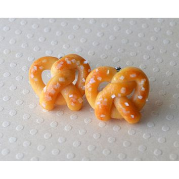 Salted Soft Pretzel Mini Food Post Earrings