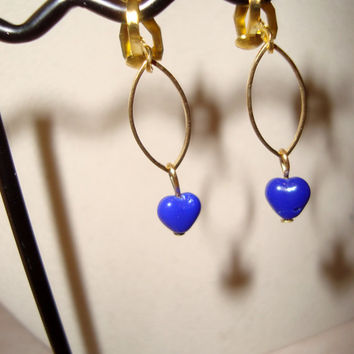 Clip-On Earrings with Small Blue Gemstone Hearts - Gold ovals and clip-on earwires - handmade - stateent earrings - unique design