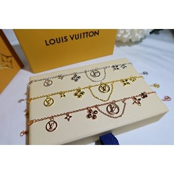 lv louis vuitton woman fashion accessories fine jewelry ring chain necklace earrings 90