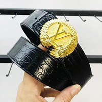 LV Louis Vuitton Fashion New Letter Buckle Leisure Women Men Belt