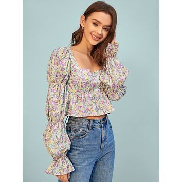 SHEIN Gathered Flounce Sleeve Ditsy Floral Top