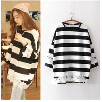 SIMPLE - Stripes Printed Floral Printed T-Shirt a11913