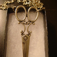 Victorian Style Scissors Pendant Necklace in Antique Silver (1103)