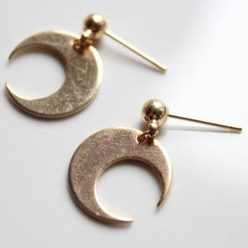 Simple Crescent Moon Earrings-18K Gold Plated