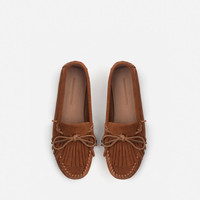 LEATHER MOCCASIN WITH FRINGES