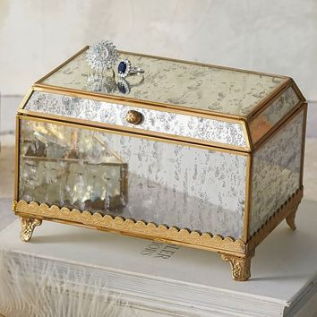 Isabelle Jewelry Box