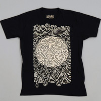made on the moon - pulsar transmission tee black   white