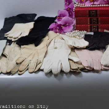 19 Vintage Gloves Lot: 60s Women Gloves Leather & Fabric Small to Extra Small Size, Vintage Fashion Accessories Black / White / Pink Gloves