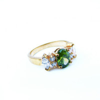 Vintage Green and Crystal Rhinestone Ring set in gold tone, Size 7.5 FREE SHIPPING - Bague en Strass. Vintage Jewelry by My Chouchou.
