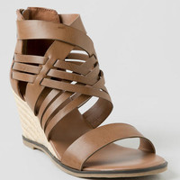 Mia, Yolette Demi Wedge