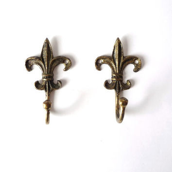 Fleur de Liz, Vintage Brass Hooks, Pair, Two Solid Brass, Metal Wall Hang, Hanging Decor
