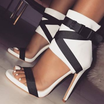 Hot style ribbon binding with monochrome cut-out high-heeled gladiator sandals