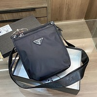 Prada Hot Selling Classic Zipper Briefcase Fashionable Men's and Women's Shoulder Messenger Bags Casual Business Mobile Phone Bags