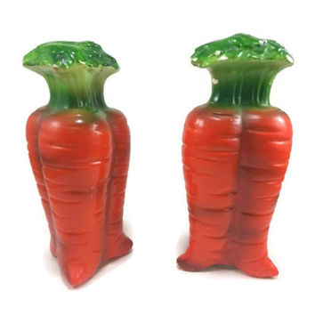 Vintage Carrot Salt and Pepper Shakers, Japan, Kitsch Kitschy Kitschen, Kitchen Easter Home Decor, Unique Fun Display, Retro Vegetable Food