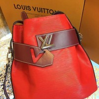 DCCK L042 Louis Vuitton LV Water ripples cowhide barrels pack high-capacity single shoulder bag 29.5-29-14.5cm Red