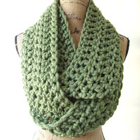 Ready To Ship New Green Chunky Scarf Fall Winter Women's Accessory Infinity 162