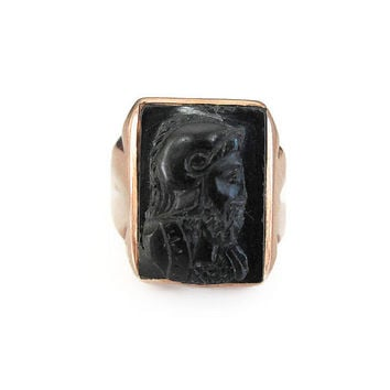 10K Gold Onyx Ring, Intaglio Soldier, Roman Grecian, Men's Ring, Vintage Ring, Vintage Jewelry, Clark Ring Company, Size 8.5