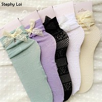 High Quality Fashion Women Lace Hollow Ankle Socks with bow Harajuku Cute Vintage Retro Froral Frilly Socks Ladies White