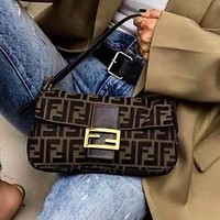 Fendi new baguette bag Fendi street style single shoulder bag ladies shoulder bag