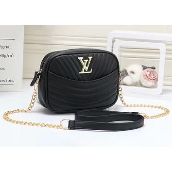 """LV""Louis Vuitton Fashionable Wild Messenger Strap Shoulder Chain Bag Small Square Bag Camera Bag Black"