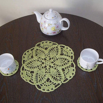 Set of doily and coasters, crocheted, pineapple patterned, home decor, table center, gift for home, gift for her, mothers day gift