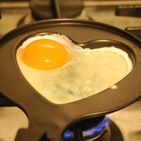 Metal Heart Shape Egg Fry Frying Pan With Cover Non-Stick Pot For Ideal Cooking