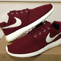Nike Roshe Run Team Red Sail Burgundy Maroon Sz 8-13 FB 511881-610 flyknit yeezy
