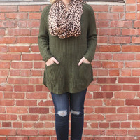 Double Pocket Sweater in Olive