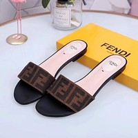 Fendi Flat bottomed slippers-2