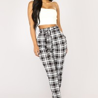 Kristy Plaid Pants - Black/White