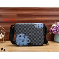 LV Louis Vuitton 2019 new men's classic chess wash bag men's bag shoulder bag Messenger bag #2