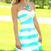 HOT STRAPLESS DRESS GREEN AND BLACK