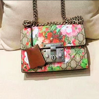 Gucci fashion casual lady shoulder bag is a hot seller with red flower printed shopping bag