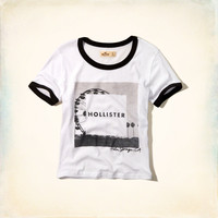 Hollister Photoreal Cropped Graphic Tee