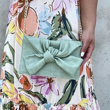 Elegant Twist Handbag in Mint