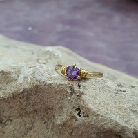 SALE! Gold Purple ring, Amethyst Ring,Gemstone Ring, Stackable ring,February Birthstone Ring,wedding ring