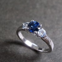 Blue Sapphire And White Sapphire In.. on Luulla