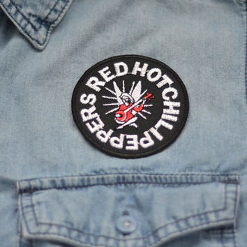RED HOT Chilli Peppers Music Iron on Patch Patches Rock Band Roll Pin Jacket Momento Round Black Red