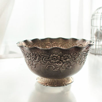 Nils  Johan Prima N S  Sweden  antiquariato svedese German silver small floral bowl antique