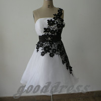 2013 exquisit white and black lace A Line zipper back knee length short bridesmaid dress party prom cocktail homecoming dress gowns
