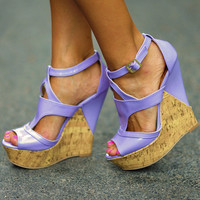 Can't Miss Me Wedges: Lavender Leather | Hope's