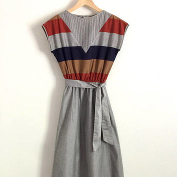 PETER METCHEV!!! Vintage 1970s 'Peter Metchev' grey cotton sundress with panelled bodice, side pockets and matching belt