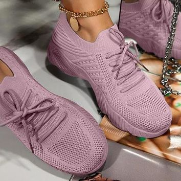 Slip-On Lace-Up ClosureLightly Padded Insole Sneakers