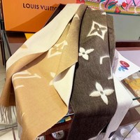 Louis Vuitton LV Hot Sale Woman Men Gradient Tassel Cape Scarf Shawl Accessories