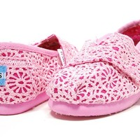 Toms - Tiny Slip-On Shoes In Pink Crochet