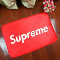 Simple Unique Red Supreme Anti Skid Alphabet Bathroom Carpet Living Room Bedroom Mat