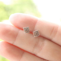 Tiny Silver Celtic Knot Stud Earrings, Celtic Cartilage Stud, Sterling Silver Celtic Earrings, Everyday Jewelry, Sister gift, Girlfriend